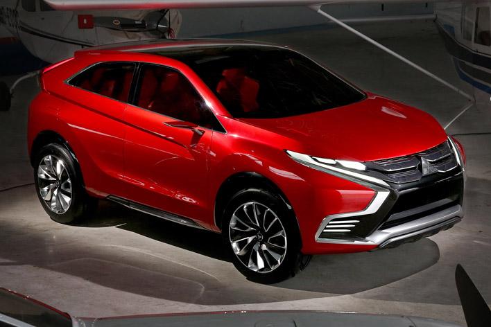 2015年ジュネーブショーで公開されたMITSUBISHI Concept XR-PHEV II