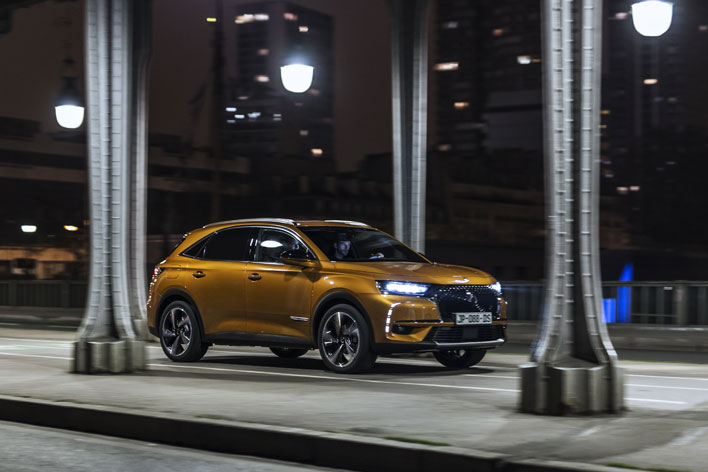 <「DS 7 CROSSBACK」>
