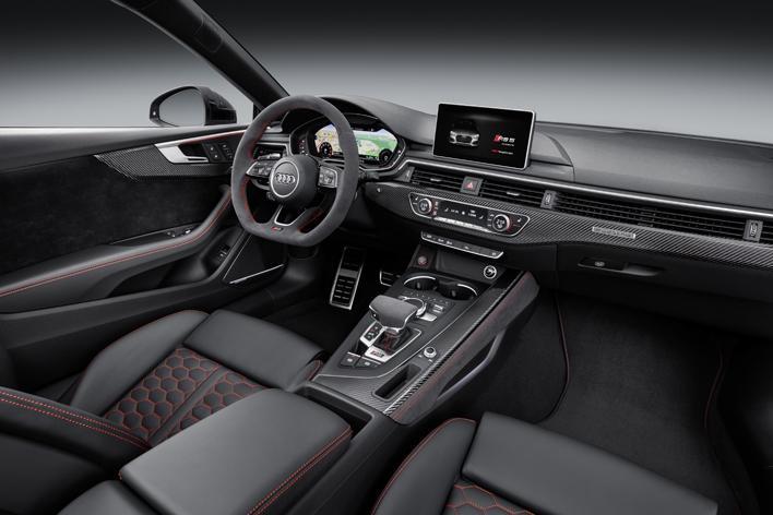 アウディ 新型RS 5クーペ