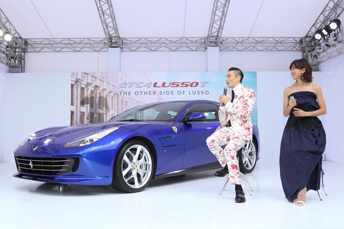 フェラーリ GTC4ルッソT 発表会にて、伊勢谷友介さんとクリス-ウェブ佳子さんのトークショー