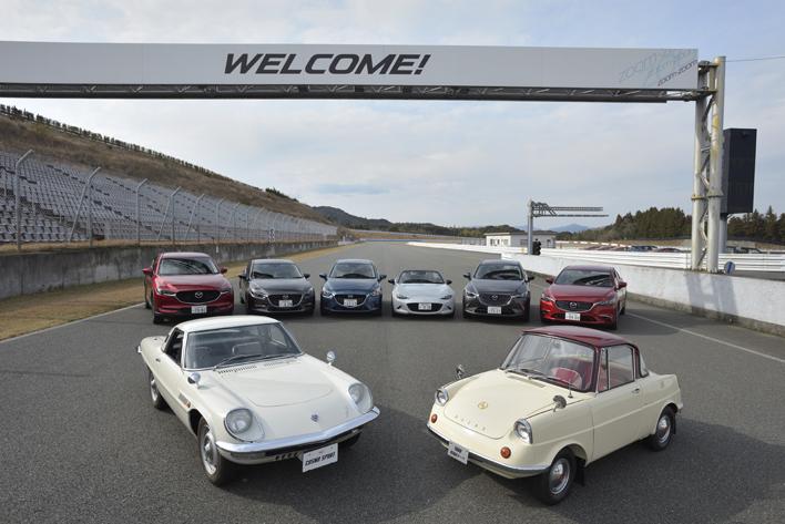 コスモスポーツ&R360クーペ レストア車両試乗レポート。1960年代の名車を贅沢比較【マツダ体験会レポートNo.1】