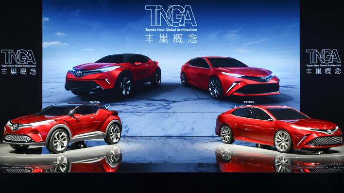 トヨタがC-HRと新型カムリにそっくりな謎のコンセプト2台を発表【上海ショー2017】