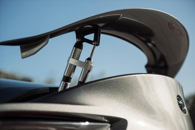米国も待ち望む日本車、トヨタ新型スープラが15年ぶりの表舞台へ登場間近