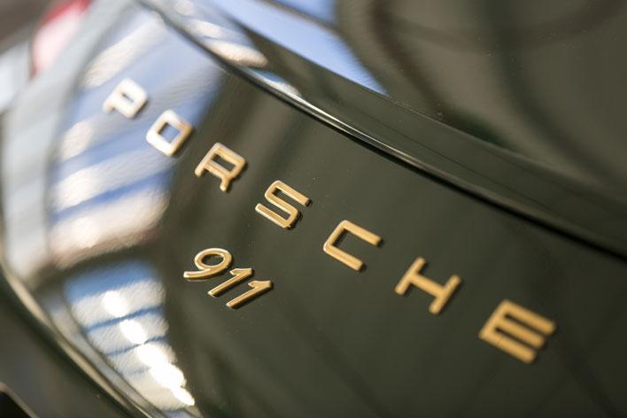 ポルシェ、100万台目の911がラインオフ