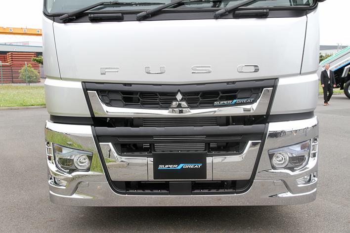 三菱ふそう 新型大型トラック「スーパーグレート」