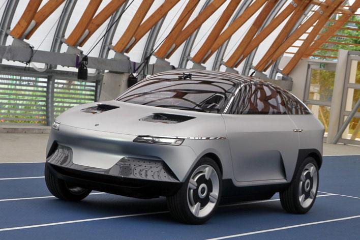 """なぜ?あのAsahiKASEIが電気自動車""""AKXY""""(アクシー)を発表、その意図とは"""