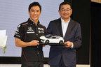 佐藤琢磨選手がインディ優勝をホンダ本社で凱旋報告、ご褒美に新型NSX