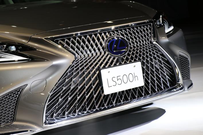 レクサス 新型LS500h