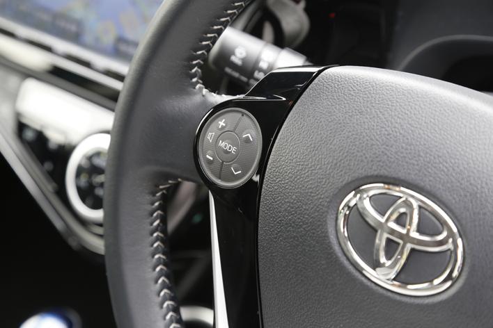 トヨタ アクア 1.5 G ソフトレザーセレクション(2017年6月マイナーチェンジ) ボディカラー:クリアエメラルドパールクリスタルシャイン