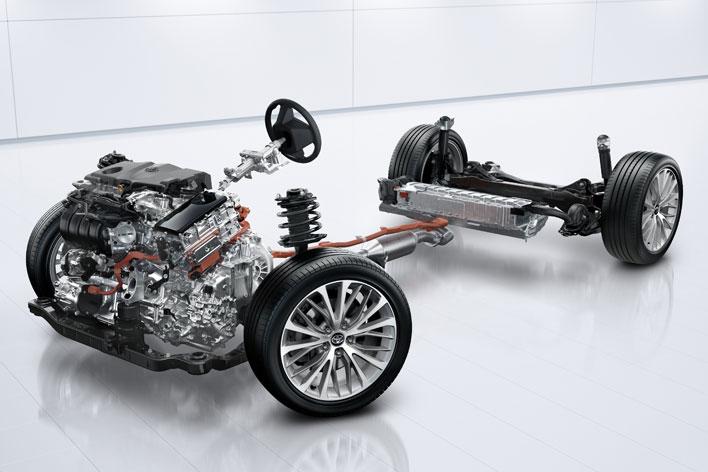 トヨタ新型カムリ2017年7月フルモデルチェンジ新型車解説/渡辺陽一郎/エンジン×ハイブリットシステム