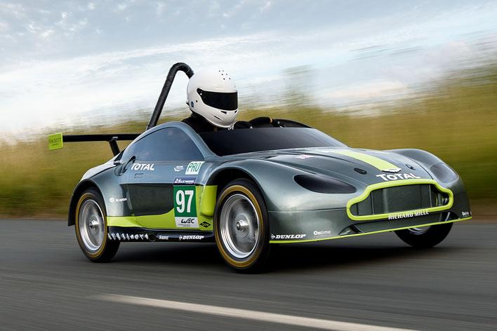 アストンマーティン V8 ミニチュア