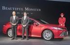 トヨタ 新型カムリがクラストップの低燃費33.4km/Lをひっさげて登場! セダン市場巻き返しなるか