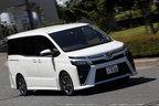 トヨタ 新型ヴォクシーZS 試乗レポート|デビュー4年目のマイナーチェンジでどこが変わった!?