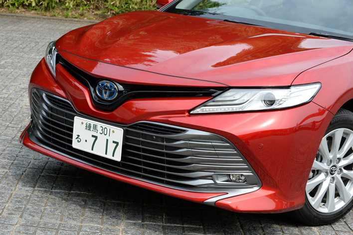 トヨタ 新型カムリ G (ボディカラー:エモーショナルレッド)