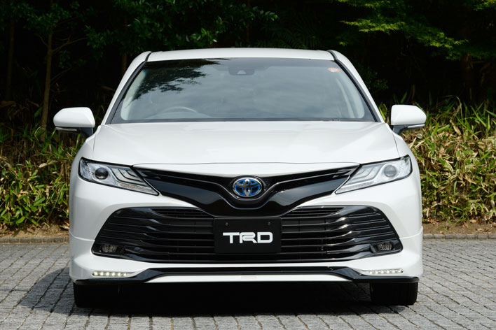 トヨタ新型カムリ(TRD)