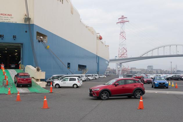 マツダ「CX-3」船積み(2015年)