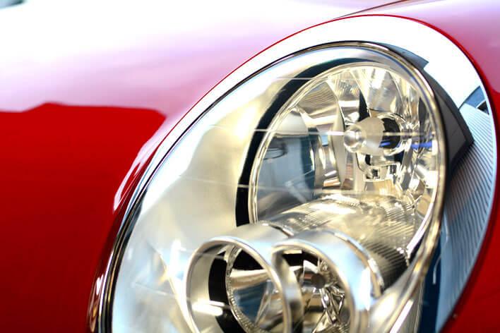 新車時の美しさを取り戻したヘッドライト