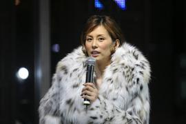 トーク中の米倉涼子さん
