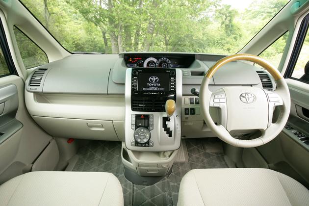 トヨタ ノア グレード比較