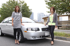 (左)秋山智絵さん/(右)今井優杏さん