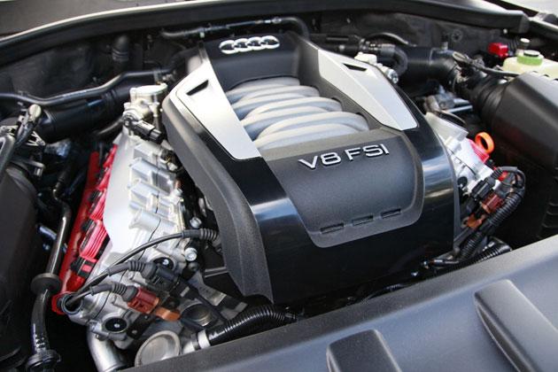 V8 4.2 FSIエンジン