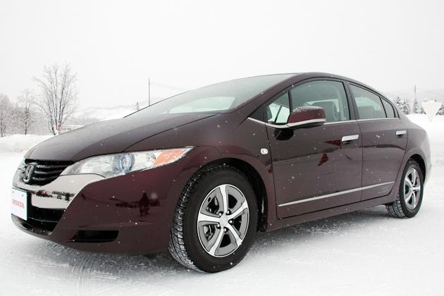 燃料電池車の雪上ドライブが楽しい理由は