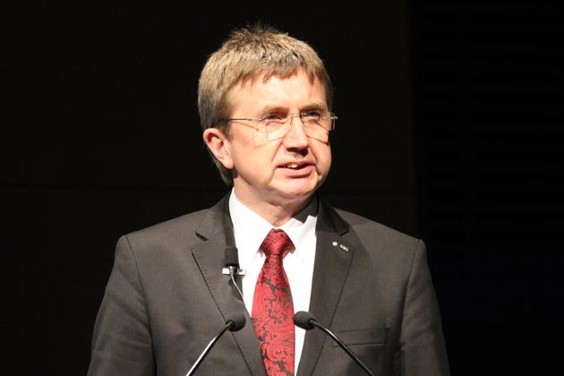 Dr.ヘルマン・ミッデンドルフ氏