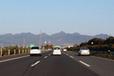高速道路のオービスは何キロで光る?