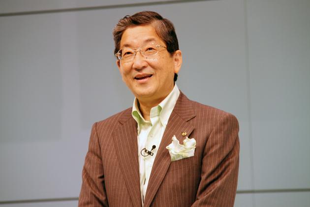 新型マーチ発表会にて志賀COO