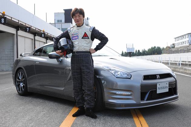日産 GT-R 2011モデルと岡本幸一郎氏