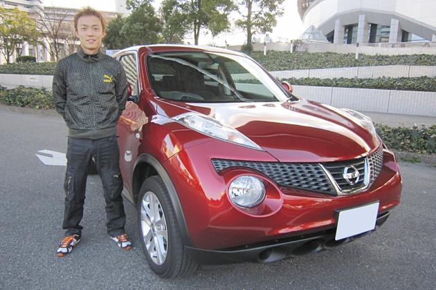 安田裕信選手と愛車の日産 ジューク