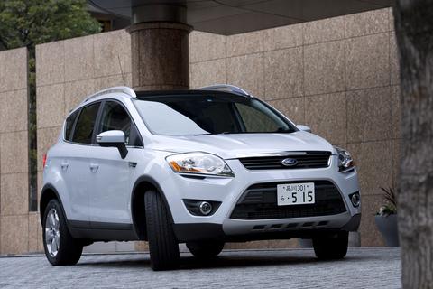 もう一方の主役は、フォード・クーガ。日本車でいえば、トヨタRAV4やホンダCR-Vにあたる、コンパクトSUV。378万円(Titanium)。