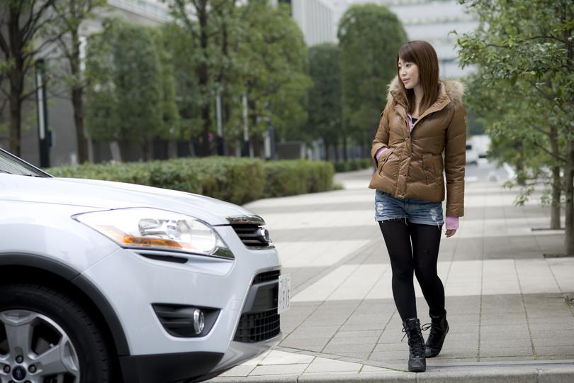 DRIVE美人 FORD KUGA× 成海 舞