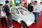 中国の電気自動車展示会。中国でも「超小型モビリティ」が流行りそう?