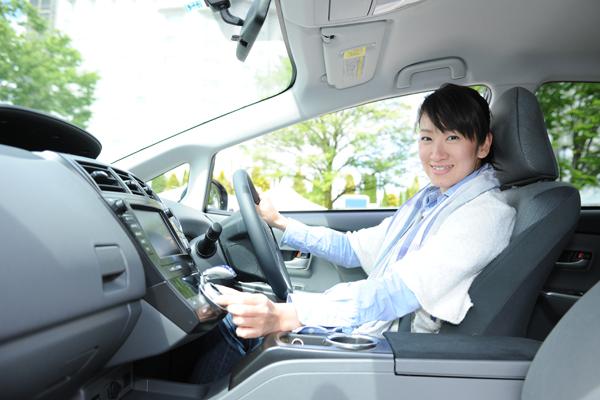 トヨタ プリウスα 試乗レポート/藤島知子