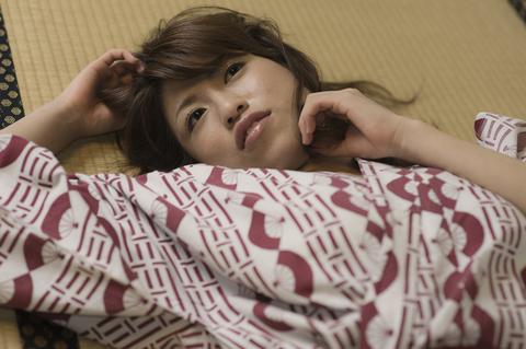 畳に寝っころがって・・・無になって・・・。