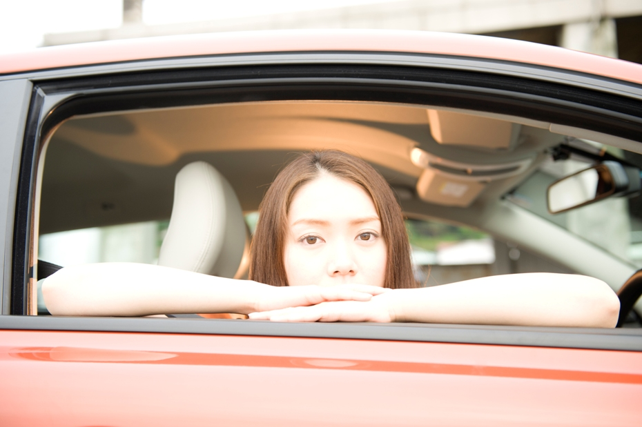 DRIVE美人 藤森真衣奈 × VOLVO C30
