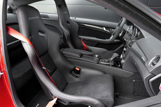 メルセデス・ベンツ「C63 AMG クーペ ブラックシリーズ」インテリア