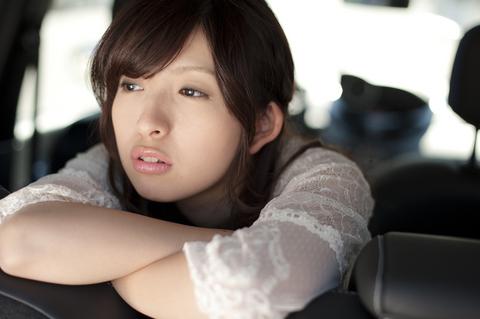 「舞美ちゃん、どうしたの?気分でも悪いかな・・・?」  ううん、おなかすいたの。  「えっ?」