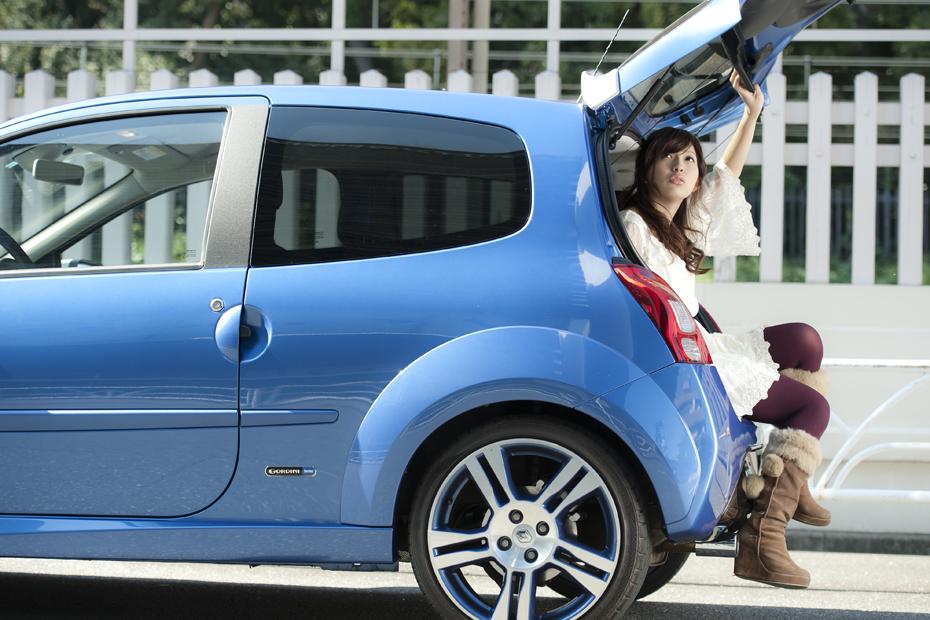 DRIVE美人 RENAULT TWINGO GORDINI × 愛沢舞美