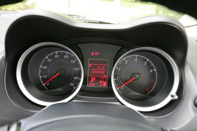 なぜ車の最高速度は180kmなの?