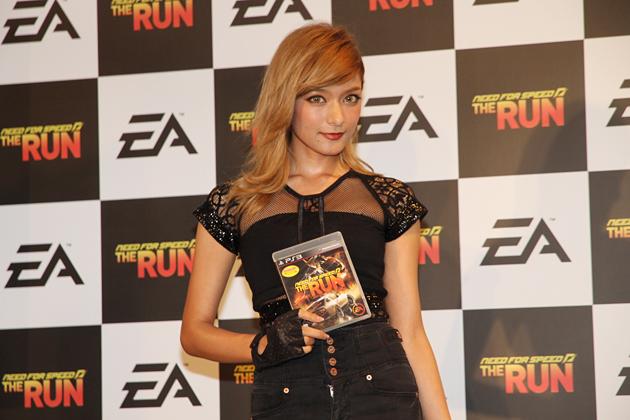 ローラも熱中するほどの面白さ!アメリカ横断レースゲーム「ニード・フォー・スピード・ザ・ラン」発売