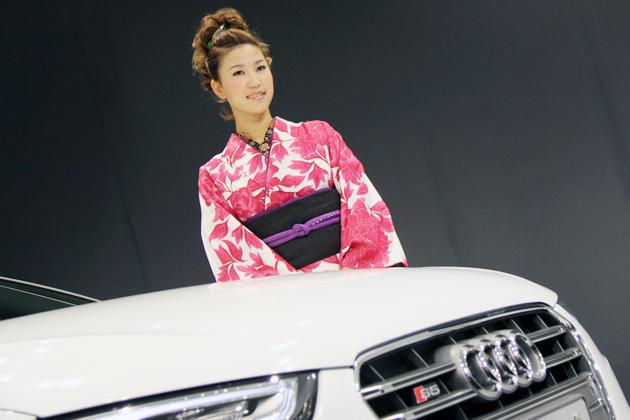 アウディ アンバサダー 上田桃子も晴れ着で応援! 新型 A5・S5シリーズ 発表会速報