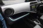 トヨタ アクア(AQUA)助手席インパネ[Sグレード・内装色:クールブルー/シート表皮:S用ファブリック]