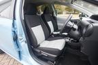 トヨタ アクア(AQUA)フロントシート[Sグレード・内装色:クールブルー/シート表皮:S用ファブリック]