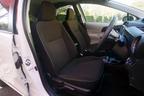トヨタ アクア(AQUA)フロントシート[Gグレード・内装色:アースブラウン/シート表皮:スエード調ファブリック]